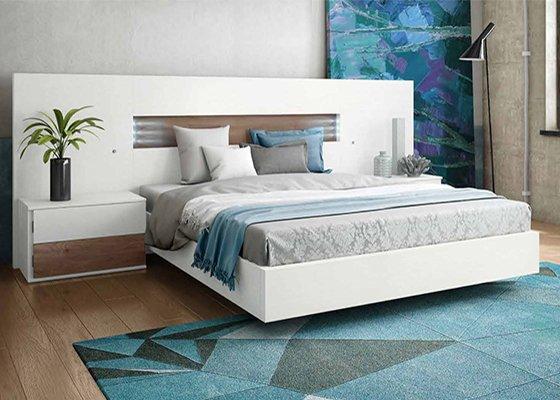 Mueble de dormitorio de matrimonio de madera blanco con - Dormitorios en blanco y madera ...