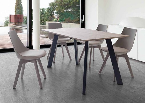 mesa de madera KRISIS 02